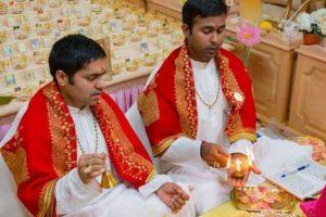 Vinayak Bhatt Astrologer Team